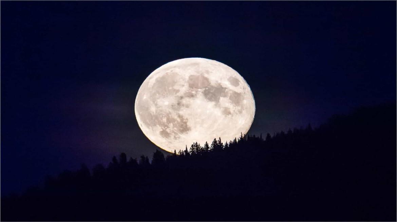 moonrise-over-glacier-national-park-c2a9-christopher-martin-2024_1920x1074-min