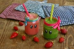creative-organic-smoothie-kids-green-pink-smoothies-56681099-min